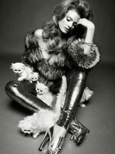Vogue Italia Nov '11 | Constance by Greg Kadel
