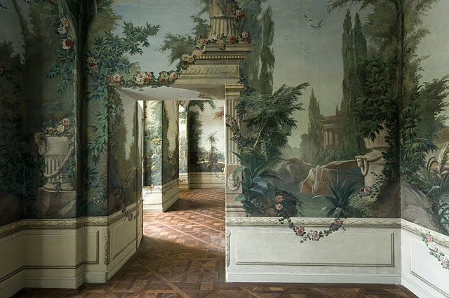 a-l-ancien-regime:  Schönbrunn Palace: In the Crown Prince Rudolf Pavilion, the frescos (wall-paintings) are of the native landscapes, but nevertheless still enhanced by exotic and antique set pieces.