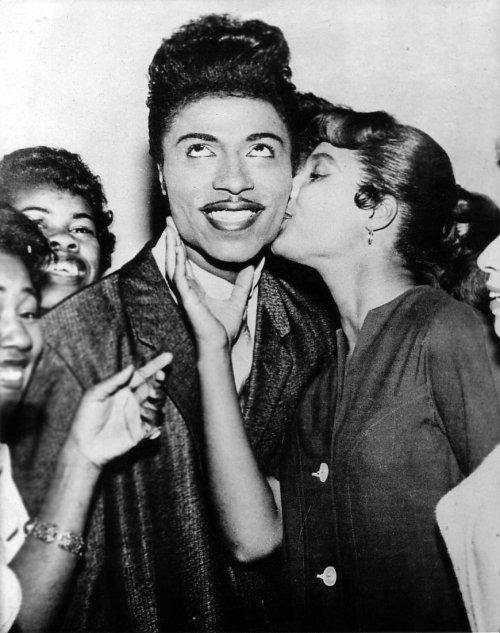 Little Richard - This one makes me smile… theniftyfifties:  Little Richard and friends.