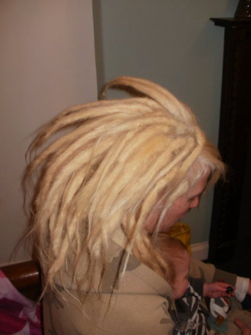 Hannah's Testimonial: Hey dreadies, well after years of wanting and months of researching and  preparing I finally made contact with Goodjuju. I had spoken to a few  potential people about my installation but as soon as I had met Suki I  knew who I chose. Apart from knowing her stuff, she was the most  accommodating and great value. It took several sessions as I have unruly  kids but the end result was better than I had dreamed. Now I'm looking  forward to going back for some maintenance and a good old blether!!