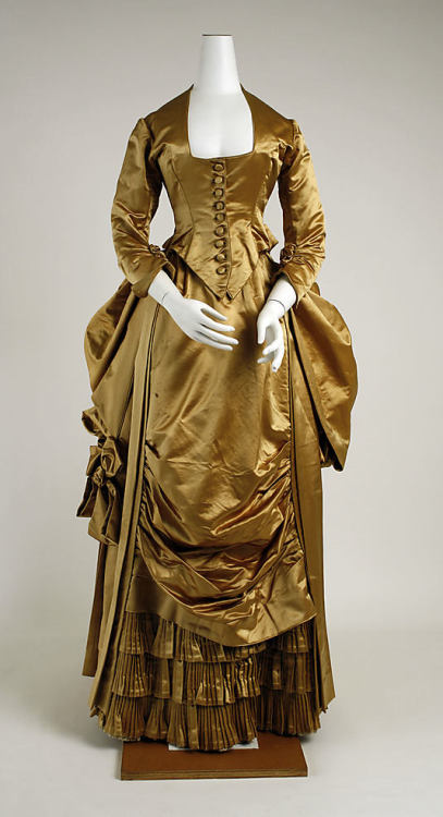 Evening dress, early 1880's US, the Met Museum