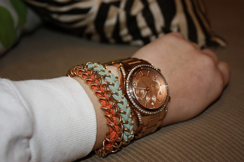 Stephanie and Such: DIY Nordstorm Inspired Bracelet