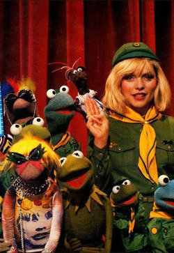 suicideblonde:  Debbie Harry with the Muppets
