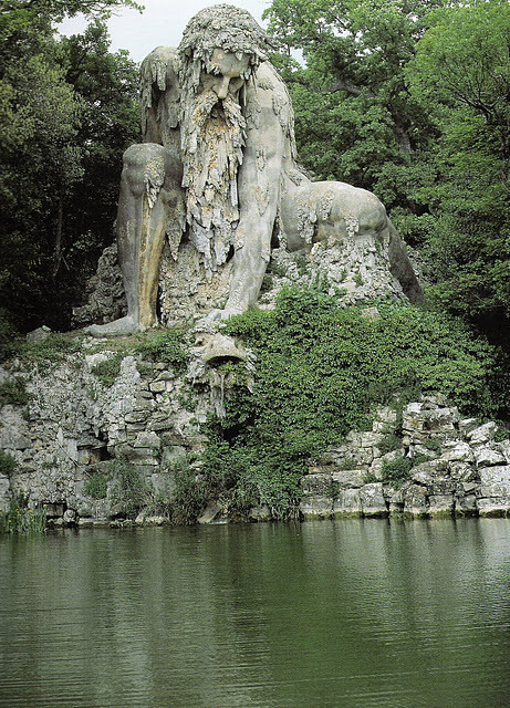 Let's go there :) waterlilyjewels:  Colosso dell'Appennino by Giambologna - outside of Florence, Italy  (via linen and lavender: Appennino by Giambologna)