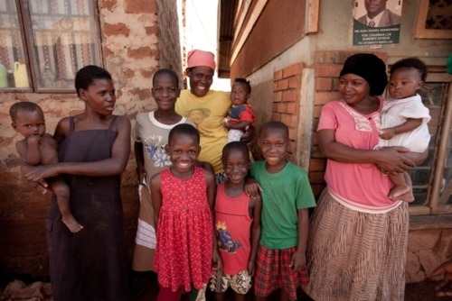 Children and mothers in Kampala, Uganda are visited regularly by their Community Health Promoter. Their CHP provides advice, preventative care, and medicines at a rate the poor can afford. Learn more at The Adventure Project.