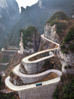 landscapelifescape:  Tianmen Mountain, China  (by Further to Fly)