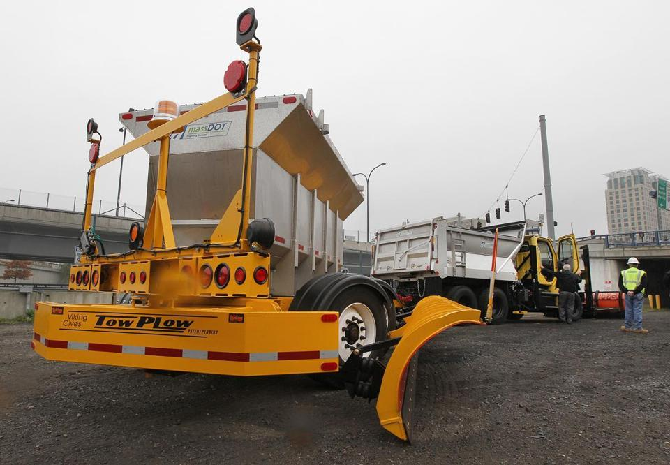 "State unveils 'mega-plows' - The state today unveiled one of five new ""mega-plows"" that will help it clear snow and ice more efficiently, part of an effort to cut costs of road-clearing by nearly half over two winters, Secretary of Transportation Richard A. Davey said."