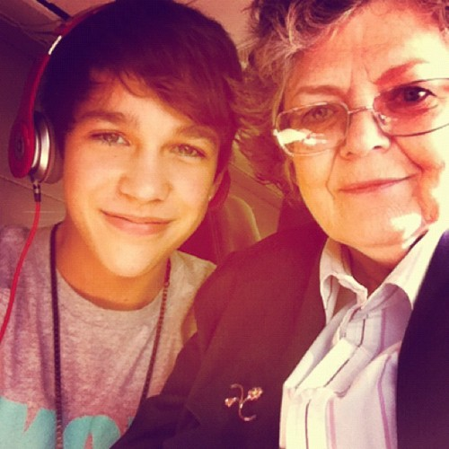 Austin Mahone and his grandma on the plane