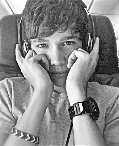 Austin Mahone on the plane