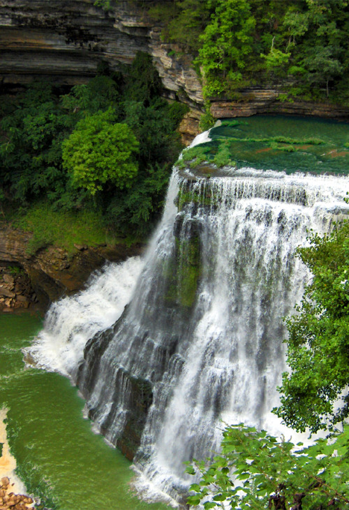 s-untiger:  k-arlwho:  Waterfalls are my new obsession  ✿ NATURE & WILDLIFE BLOG ✿