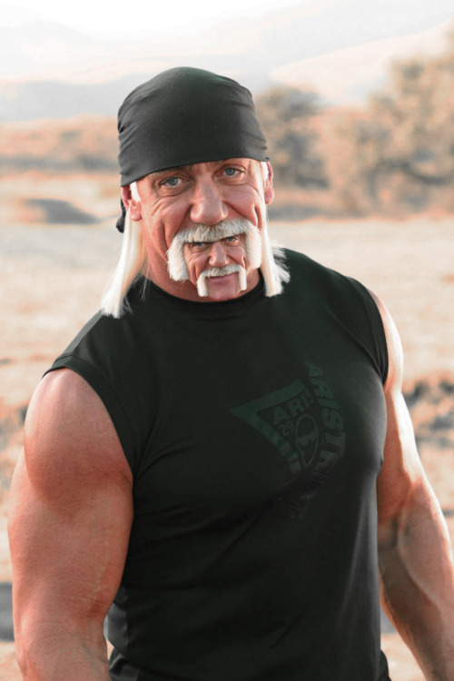 A lot of people just have buttchins, but Hulk Hogan… well, he just wins.