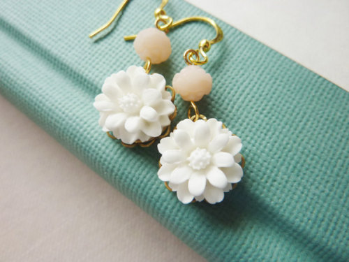 Small White Flowers with Pink Rosebud Beads Earrings via Katheyl