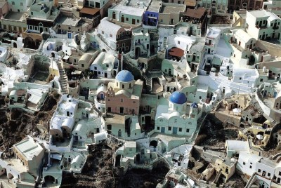 adolescentparadox:  birds eye view of the town oia.
