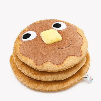 shaocuterie:  Yummy pancake plush. Almost better than the real thing.