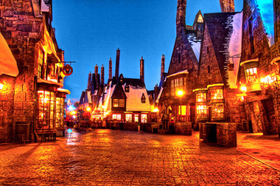 Harry Potter Wizarding World, I'll be seeing you soooon :) Can everyone please inform the cast of Harry Potter that all of them are riding the Forbidden Journey with me this Sunday?