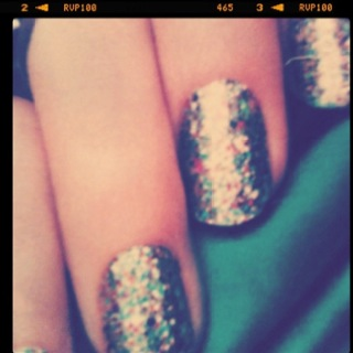Sparkles :) I used once again , OPI rainbow in the skylie :)