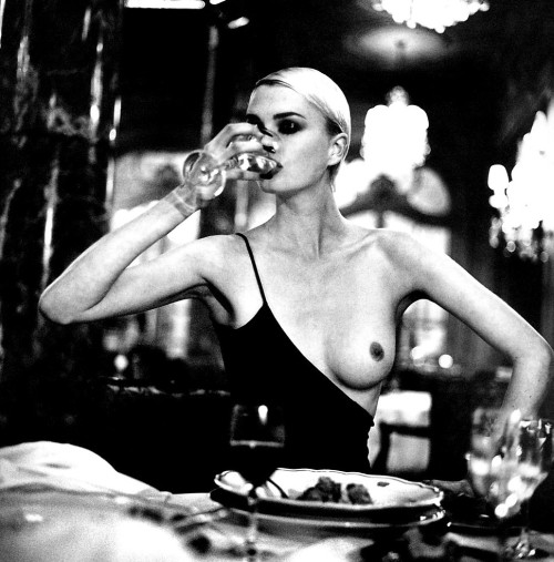 silfarione:  by Helmut Newton
