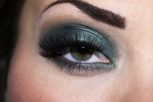 Dark forest smokey green look.