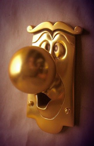 BETCHA DIDN'T KNOW: The handles on the main doors to the Walt Disney World casting building are these doorknobs.