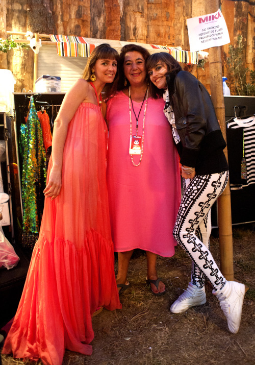 smallrevolution:  The lovely Yasmine, joni and Julie (Yelle)