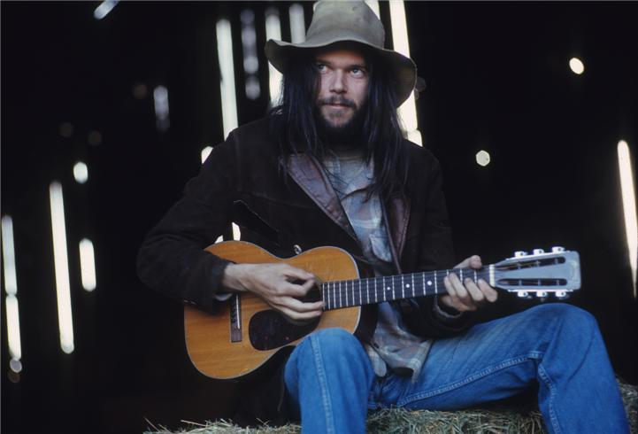 Neil Young. Photo: Henry Diltz. Thank you, i12bent.