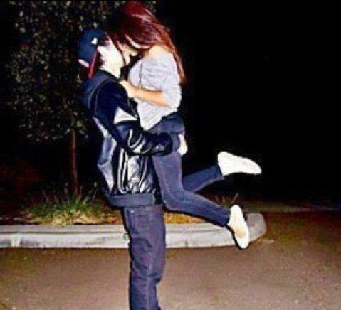 is this legit like logan henderson and ariana grande? saw it on facebook btw new to tumblr (isala leabeau) follow me:)