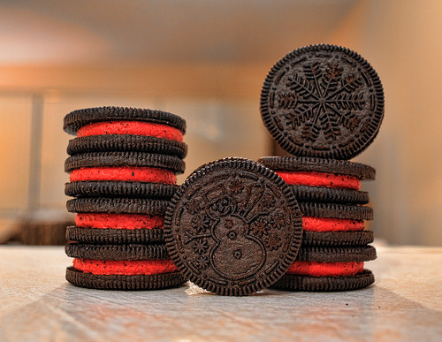 ffoodd:  Day 307: Winter Oreo!! (by Roberto Israel)