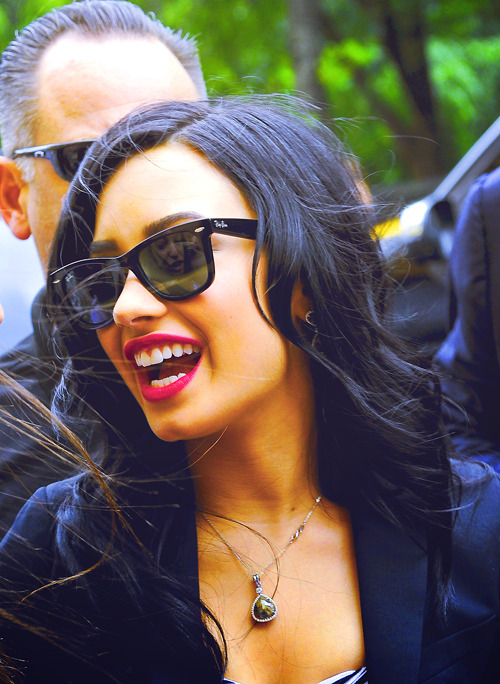 Demi Lovato's making a comeback.  I have always loved this girl's style.  It is so effortless.  And now that she's working her way back to loving herself just the way she is, I have more of an appreciation for her inner beauty as well as the obvious outer beauty.  The combination of red lips and those jet-black Ray-Bans is amazing! I love Ray-Bans because they just look great on any face and are the perfect pair of sunglasses for any occasion.  Plus Ray-Ban makes so many different styles so if you don't like these wayfarer frames there are also aviators, sport styles, oversized frames, etc.   The list just goes on and on.  And of course I buy them at Eyesave.com because where else would I get the best discounts? Alternate Reality: UrbanSpecs Sunglasses - Classics - Wayfarer $9.99