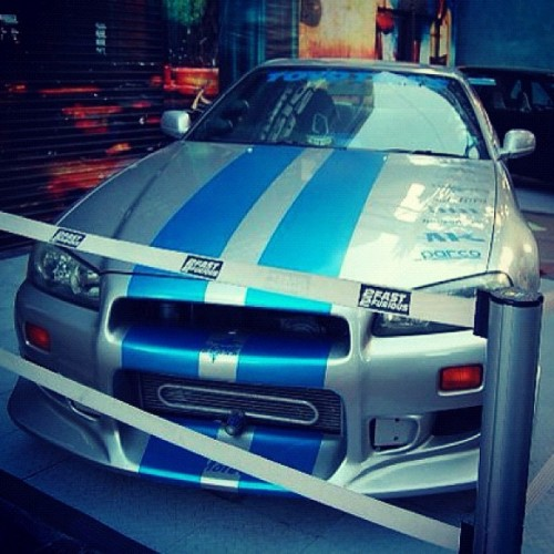 #2fast2furious #nissan #skyline #jdm #r34 #japenese #socal #losangeles #la #universalstudios #fastandfurious #headlights #front #lip #bodykit #display #bumper #parco #toyo #stickers #drift #slammed #lowered #low #stripes  (Taken with instagram)