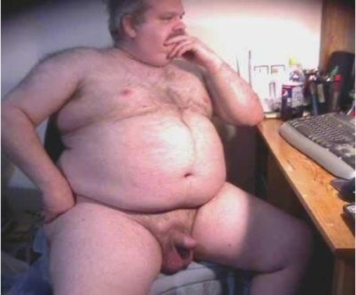bigbearrider:  Mmmmmm hot daddy needs some lovin