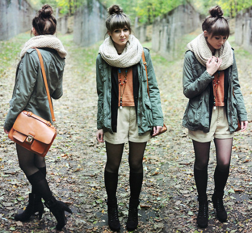 autumn look.  (by Maddy C) I want that scarf. o_o