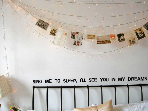 "aestheticaspirations:  Song: ""Lullabies"" - All Time Low Image from: lacebeauty"