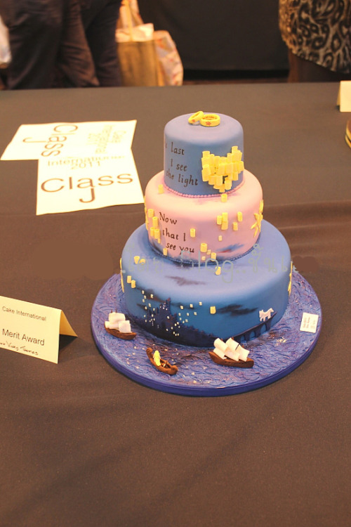 dreamyprincess13:  becauseoflayers:  Tangled Cake from Cake International 2011  OH MY GOD. I REALLY WANT THIS CAKE.  aklsjkldsjfjskladfjlkasdfklasflasjfkljsdlfkasldfjsldjflsa OH MY GOD!  I want this cake for my birthday. The end. I expect it on July 1st of this year on my door step.