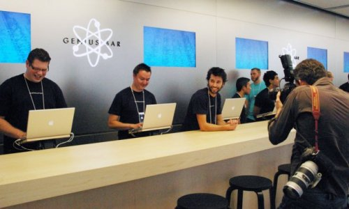 iPads taking over: Apple to revamp the Genius Bar with iPads, drop the Macs Tired of waiting at the Apple Genius Bar? With the addition of more iPads you might get your turn faster! (via iPads taking over: Apple to revamp the Genius Bar with iPads, drop the Macs | 9to5Mac | Apple Intelligence)