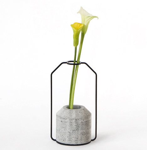 edgina:  Weight Vases by Decha Archjananun