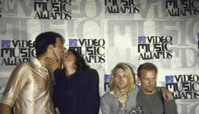 WTF ARE DAVE AND KRIST DOING?  HAHA