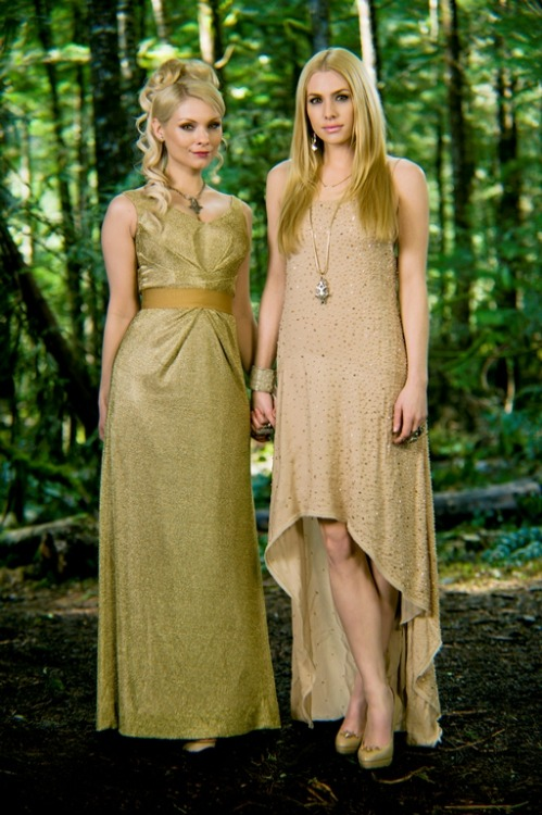 Tanya and Kate, new Breaking Dawn still