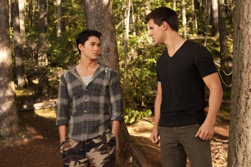 Jacob and Seth, new Breaking Dawn still