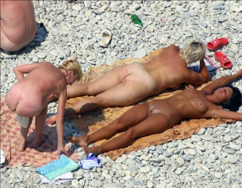 Nude mykonos girls