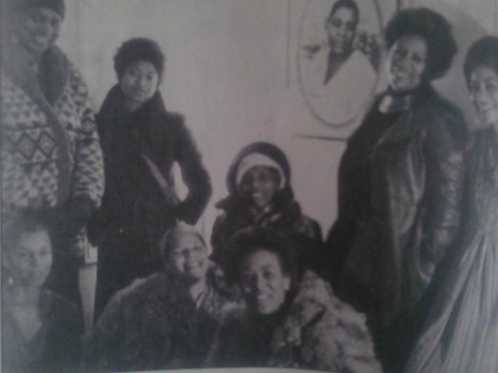 Toni Morrison, Alice Walker, Ntozake Shange, June Jordan, Lori Sharpe, and Audrey Edwards circa 1977 at a Black women's writing group.