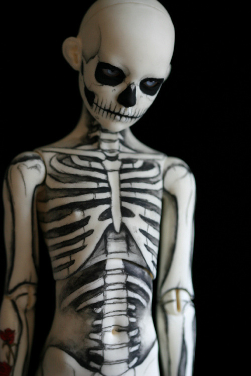 theplastisizer:  skeleton boy by Kat Caro