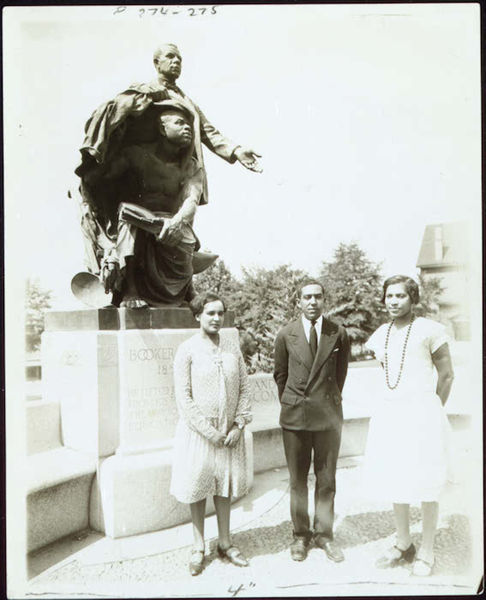 Langston Hughes flanked by Zora Neale Hurston and Jessie Redmon Fauset in 1927 at the grave of Booker T. Washington at Tuskegee Institute.