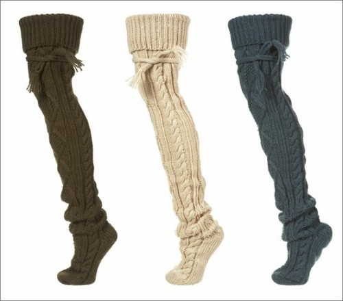 veganlove:  o0o0o0o0ooooooooo :oI'm going to ask my mom to knit me a pair… hehe