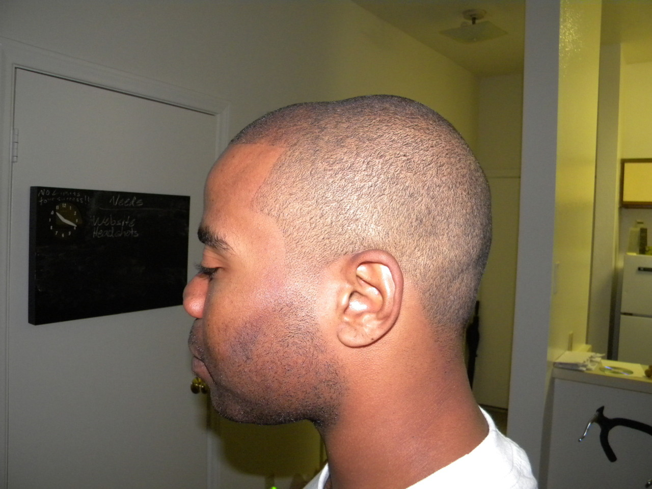 Gave my friend & client, Casey Washington, a fresh haircut…….now he's camera ready! Remember this face and this cut, you'll be seeing it soon on Fox's The Finder tv series. His episode is also guest starring 50 Cent.  I got one of my cuts on tv…..and there's more to come!!!