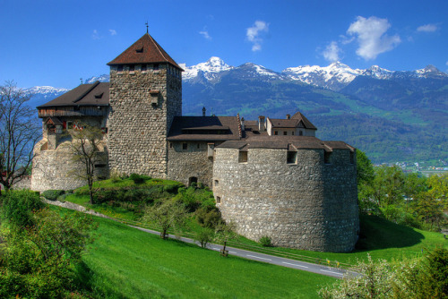 Vaduz castle by Rich2012 on Flickr.