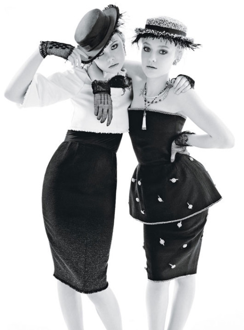 Dakota & Elle Fanning by Mario Sorrenti for W December 2011