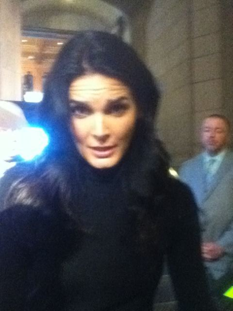 sehornharmony:  REALLY?? REALLY??? @Angie_Harmon - posted by @3doorsfan