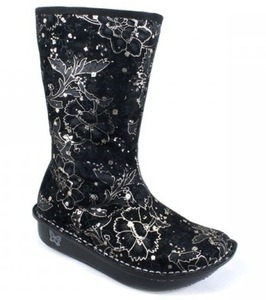 Sexy Silver Boots ~ New at Clog-Heaven.com