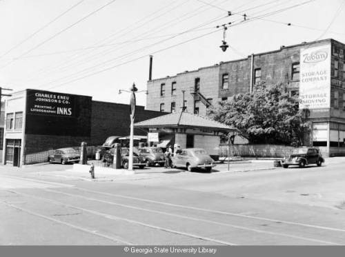 Ponce de Leon Ave at Ponce de Leon Place.  1947, Atlanta (via Georgia State University Library Digital Collections : Item Viewer)