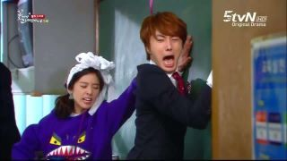 Jung Il Woo got slapped at his butt…. o.O Aigoo….  Chi Soo, you've been a mean big guy. You deserve a Butt Slap! Keke ~0~